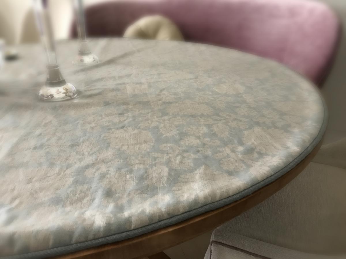 custom-table-cloth