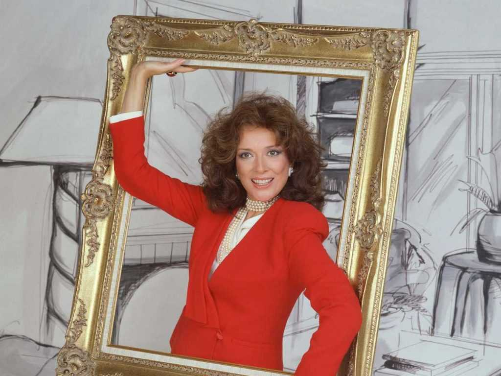 Dixie Carter, who plays Julia Sugarbaker in the CBS television show 'Designing Women', poses inside of a picture frame, California, 1987. (Photo by CBS Photo Archive/Getty Images)